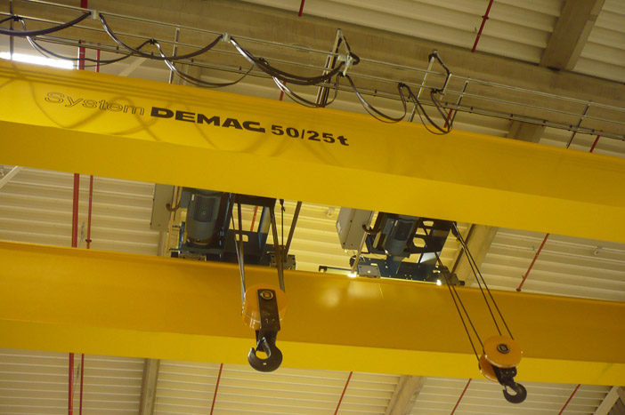 Double-girder overhead travelling crane 50/25 t