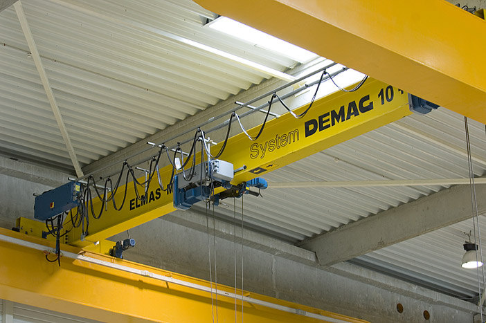 Single-girder overhead travelling crane 10+5 tons