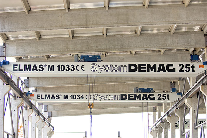 Double-girder overhead travelling crane 25 t